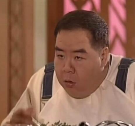 主演tvb三年后,郑则仕加入了第一部作品电视剧无线《四歌曲探》.哪部电视剧有酒干倘卖无的眼神图片