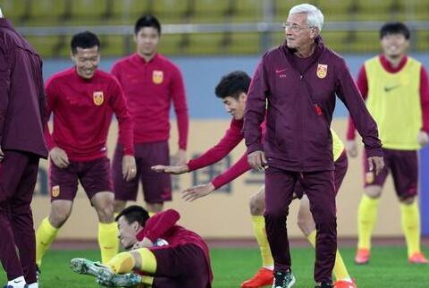 卡记者:里皮很棒但不能决定胜负 中国队进攻不行
