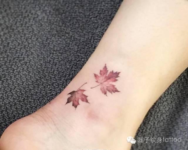 脚踝小纹身