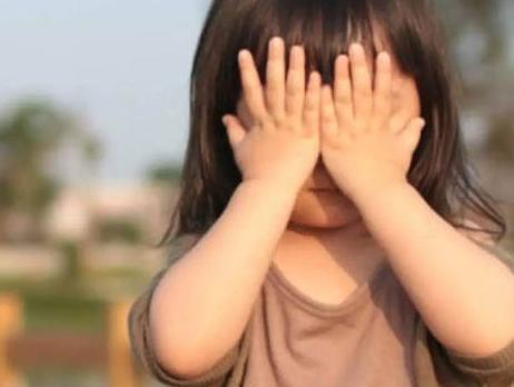 孩子胆小不敢在人前说话怎么办?丨育儿大师