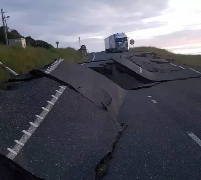 讲真!这次新西兰强震,中华人救援把外