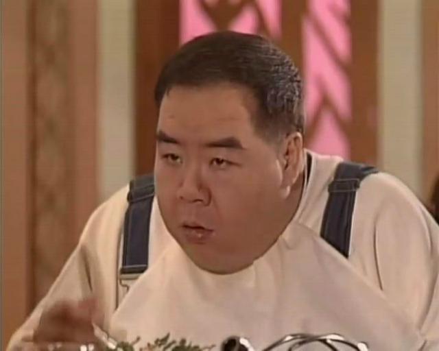 香港影帝肥猫,他欠巨债众叛亲离,今65岁孤独无友