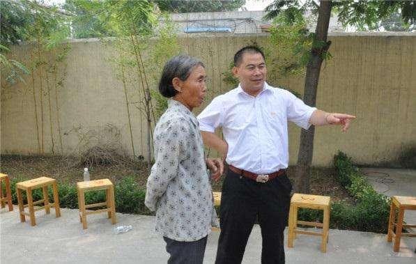 问钟长夫为济宁龙凯天然气投资有限公司鸣锣挂牌   北城集团总裁陈涛