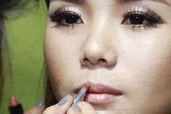 时尚欧美创意新娘妆教程