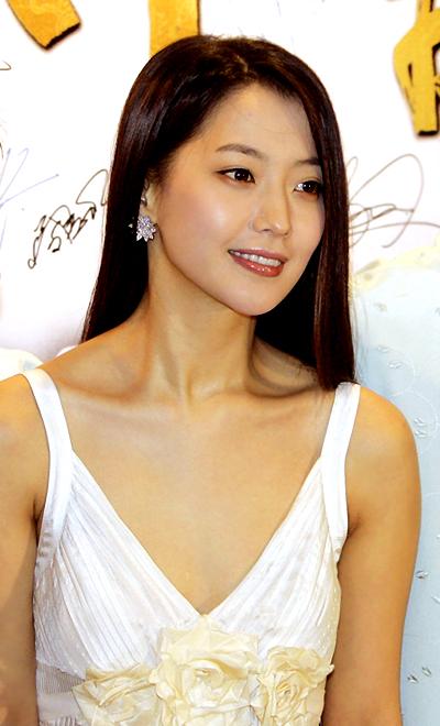 国产无码分享第一站_分享:韩星金喜善的减肥瘦身秘诀是什么