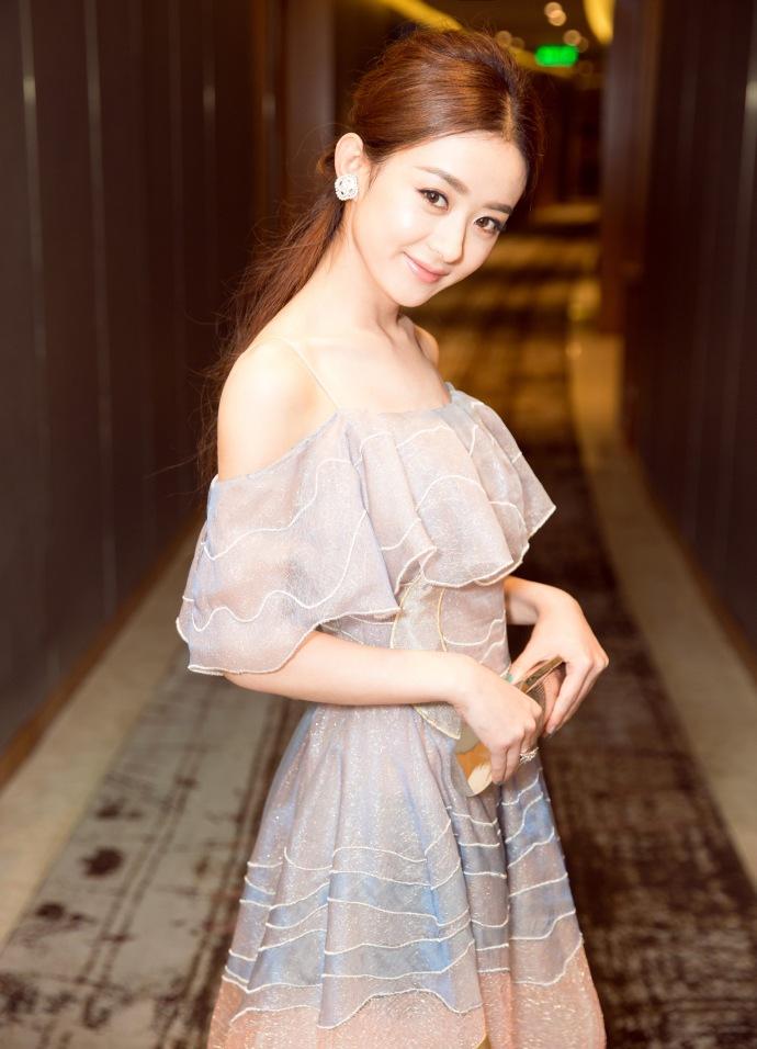 赵丽颖这样的软妹子居然成了霸道总裁?她的粉丝全疯了图片