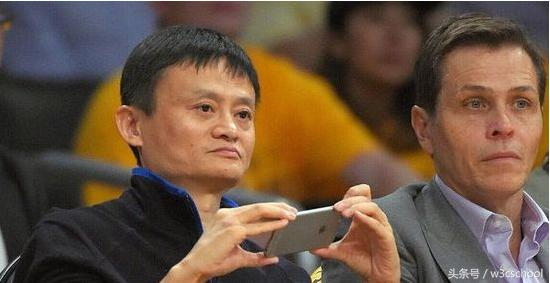 有幸和马云吃饭,看马云用的是什么手机?