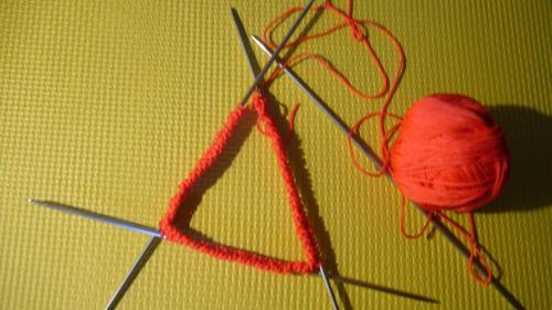 手工编织帽子图解 教你怎样用毛线织帽子
