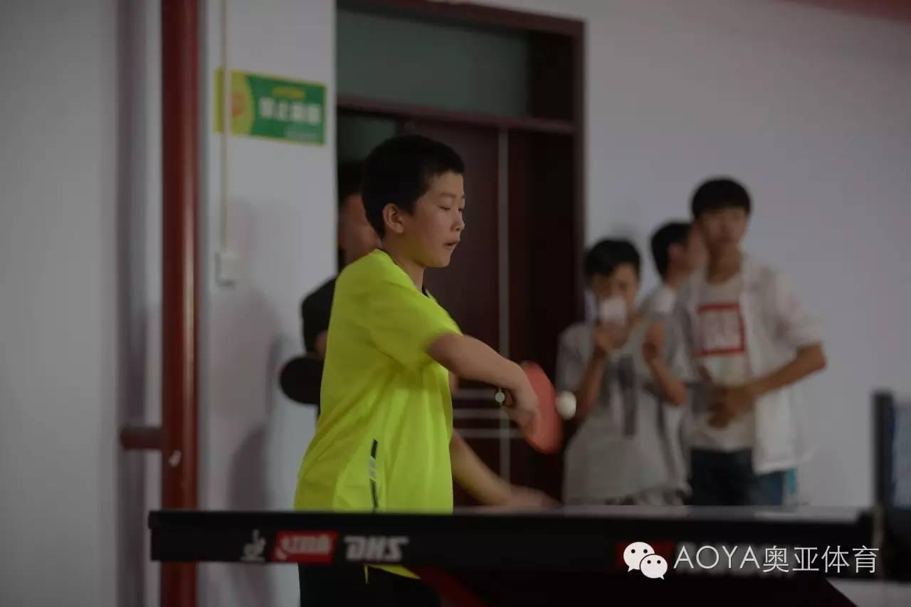 篮球打乒乓球孩子多!培养兴趣好处?科十儿童鞋图片