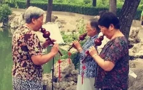 """浅谈葫芦丝为何如此深受中老年人的喜爱"""""""