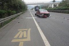 """【提醒】一年""""撩翻""""11车!这段高速公路如此之""""妖"""",过往一定小心点"""