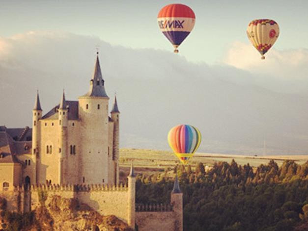 你不再只是城堡游客,你是住在城堡的王子、公主!