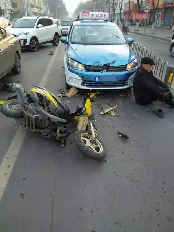 【事故】晋城无人驾驶摩托车撞飞老人!怎么