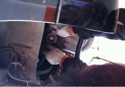 汽车正时皮带更换步骤高清图片