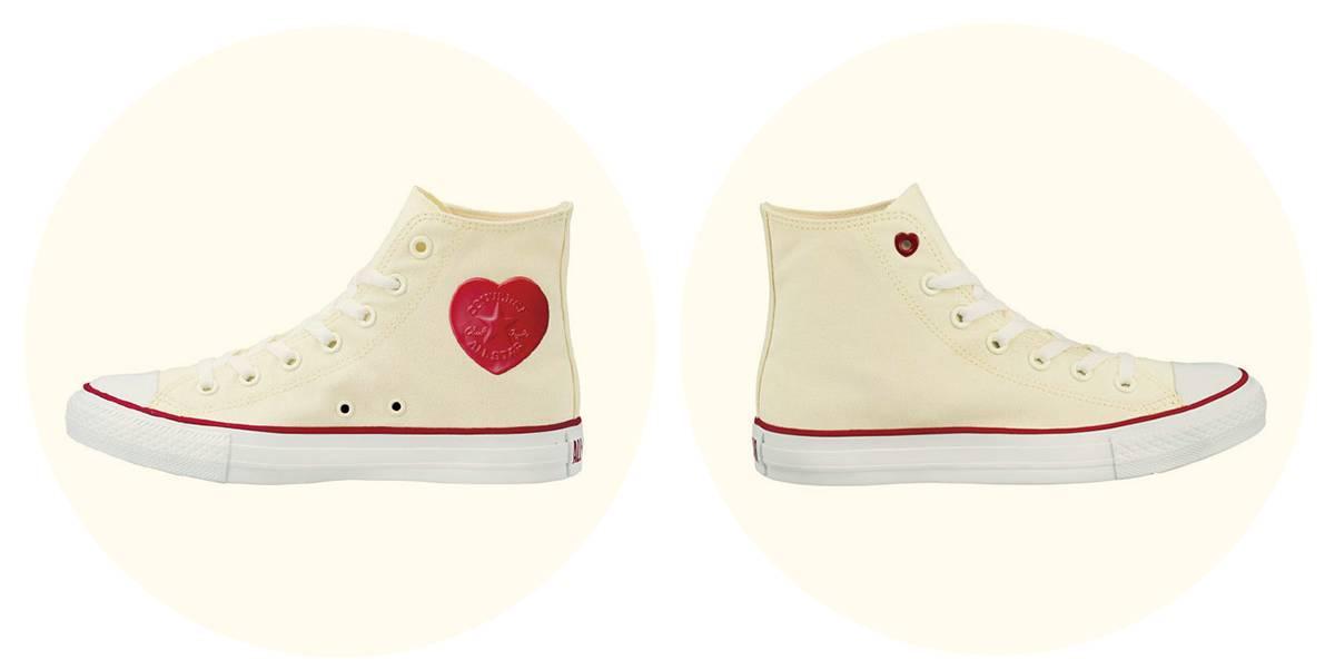 白色这款更是很有心机的把鞋带孔都画上爱心图片