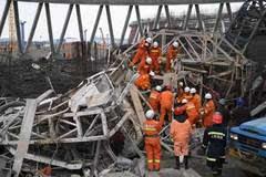 电厂工地坍塌已致74人遇难 幸存者讲述惊恐一幕