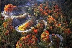 """这就是中国的""""死亡公路"""",玩的就是心跳!"""