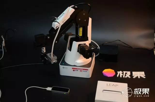 堪称人类第三只手的机械臂,能画会写还会3d打印图片