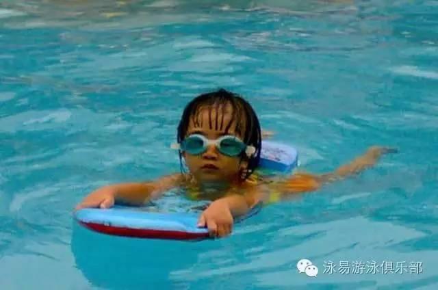 【Haidegym游泳教学】始终学不游泳双人舞快三步教学分解图片