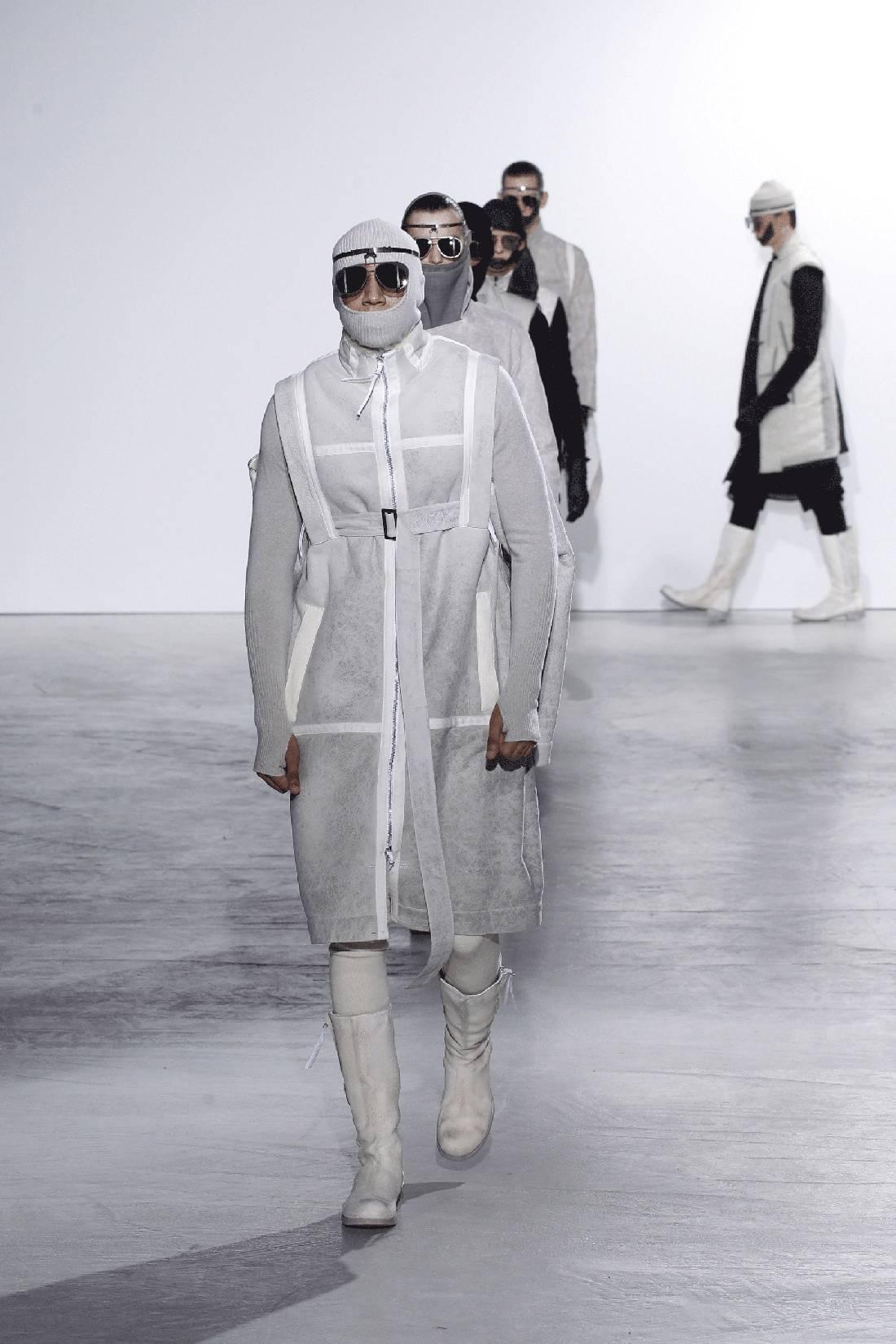 aviator sunglasses designer  while aviator