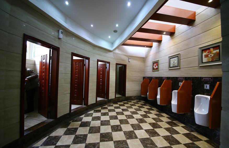 """重庆璧山惊现""""五星级""""公厕,比酒店还豪华图片"""
