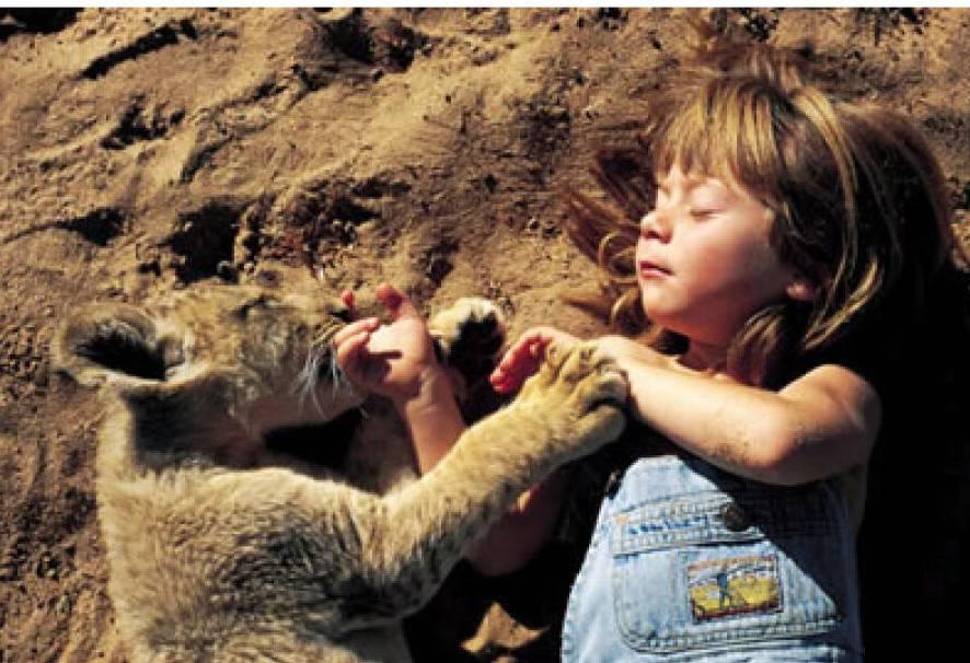 【少儿读物】我的野生动物朋友:10岁的小女孩,与动物