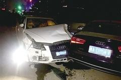 奥迪A4酒驾失控 连撞11辆车(图)