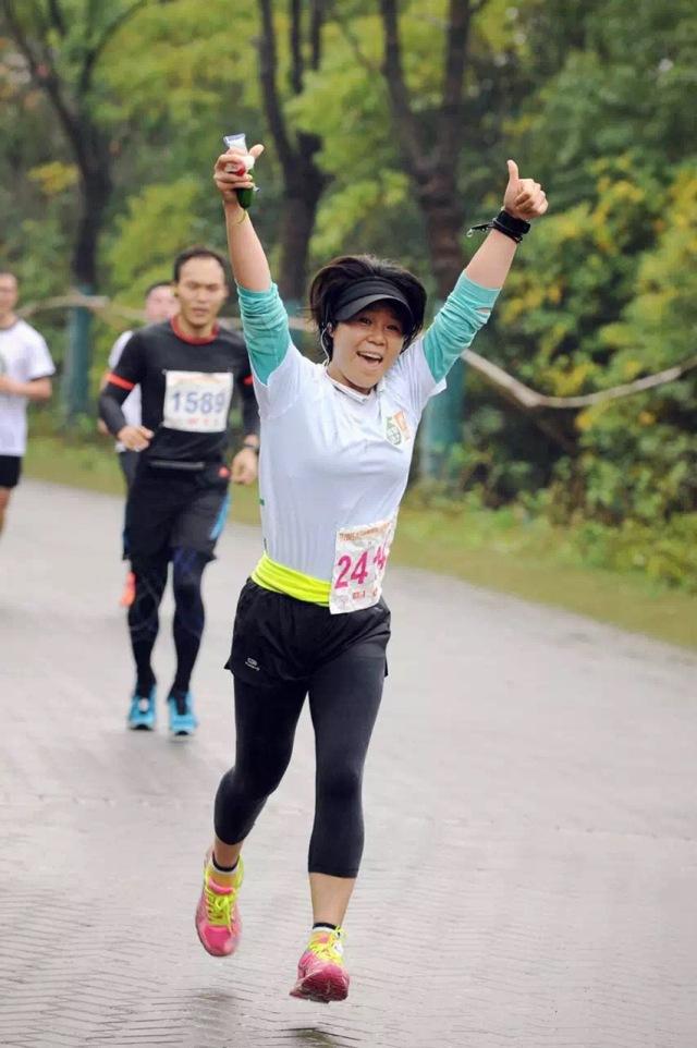 小婆婆,2013年开始跑步,一个灵活的胖子,参加了若干个半程马拉松和十