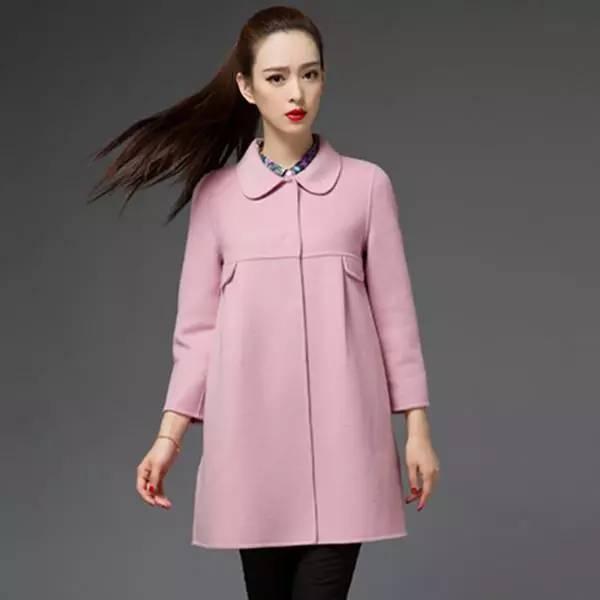 ... 精致有品味的女人,都有一件精致的呢大衣_博弈在线