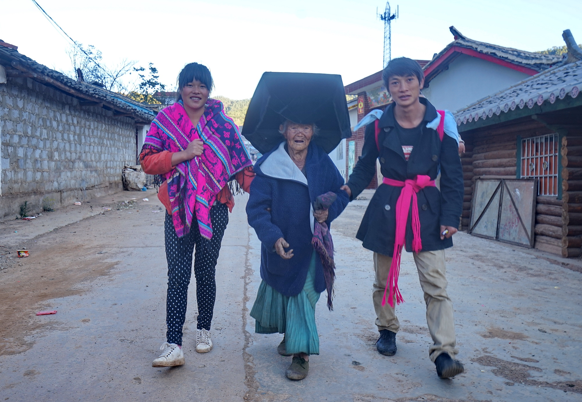 一个贫困的彝族老奶奶,牵动多少爱心人士的心