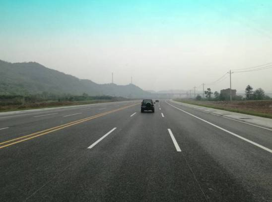 道路全长49公里,预算总投资39亿元,兼具公路及城市道路功能.