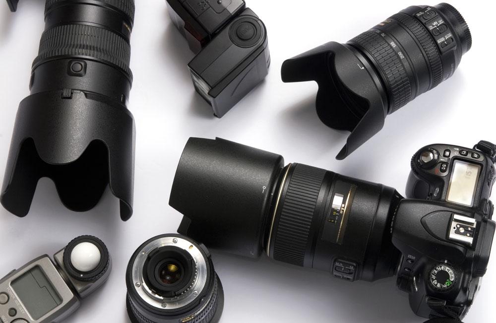 摄影师都经常需要更新购置机身或镜头.图片