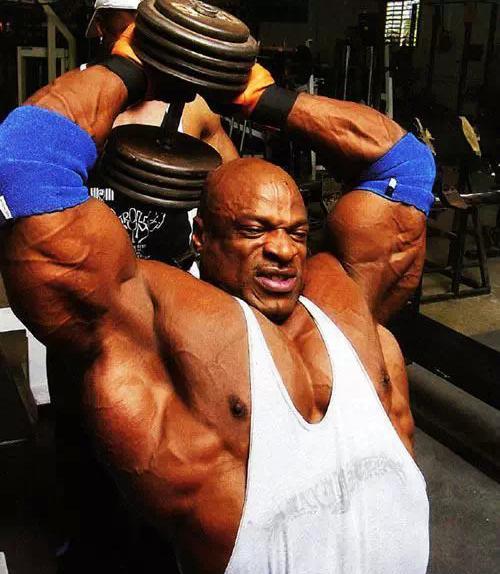 烦躁肌肉人罗尼·库尔曼的健身方式