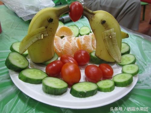 几步教你做创意水果拼盘 九