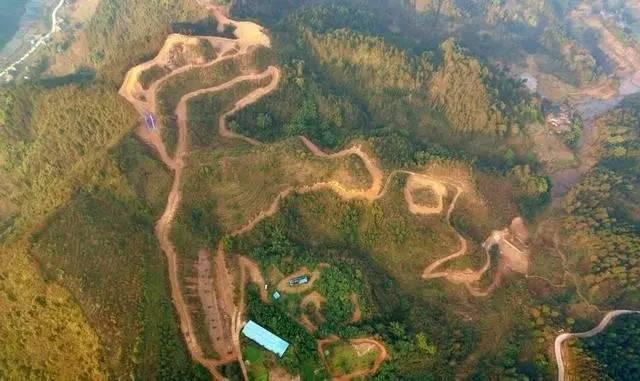 重庆森林越野公园图片