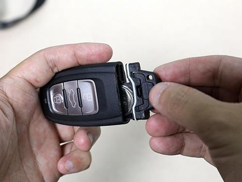 如何判断,汽车遥控钥匙何时换电池高清图片