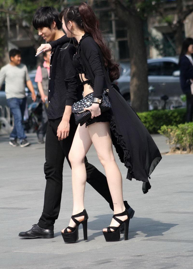 黑色紧身裤重庆美女