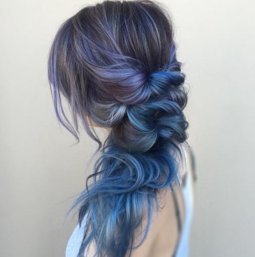 染色的头发编发更有层次感,梦幻唯美.图片