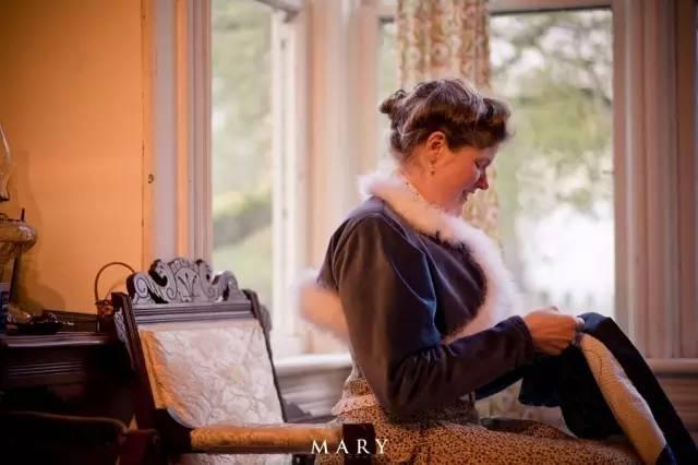 连接吻都这么唯美TwT   衣食住行,全是19世纪末20世纪初,维多利亚