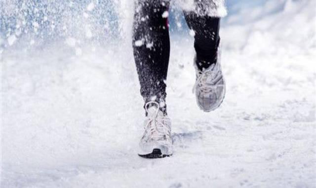 夏天跑步减肥快吗图片