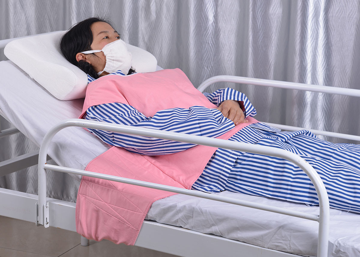 病人卧床休息图片