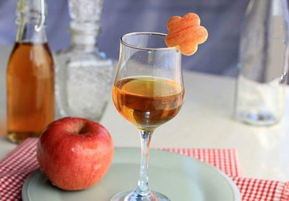同刚刚调配好的苹果醋一样,具有增强新陈代谢的作用,从而促进脂肪燃烧