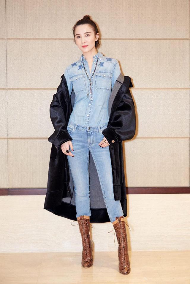 ▼ ▲ 小宋佳172的身高,是典型的衣服架子,酷感十足的冬季穿搭给人一