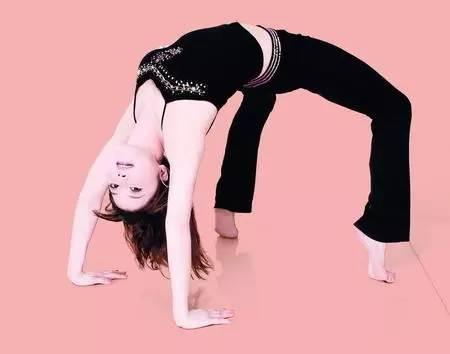 什么是拱桥式锻炼?-每天8小时以上都在坐 拱桥 运动拯救你的颈椎腰椎