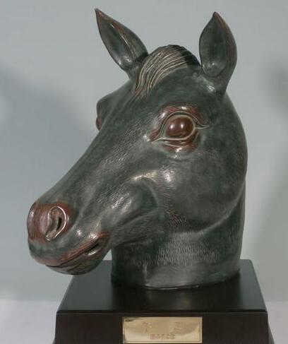 国宝十二生肖铜像遗珍 马首铜像1亿请回博物院