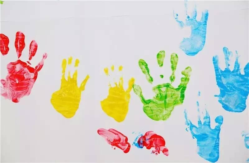 把辅读学校孩子的手掌印上包装袋,松江中良公司4000斤