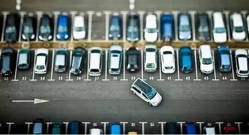 汽车反垄断年内将再开一张新罚单,倒霉的是凯拉凯伦服装谁?