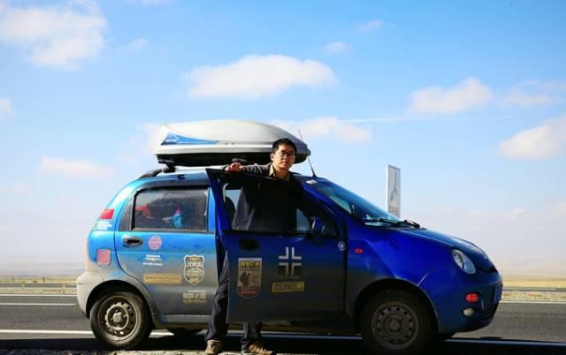他是上海一位内科医生,单车穿越,一直在路上