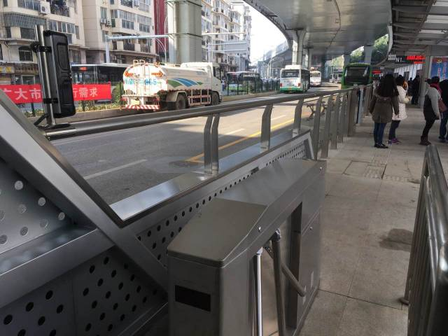武汉首条BRT终于要来了 哪些线路 如何乘坐 全攻略图片