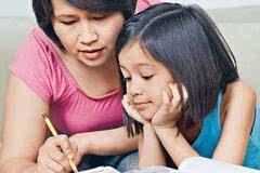 """这样陪孩子写作业,期末肯定能拿高分!"""""""